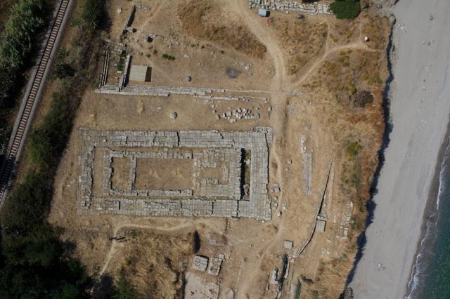 Kaulonia (RC). Foto da drone del santuario prima della mareggiata che ha danneggiato il sito archeologico.